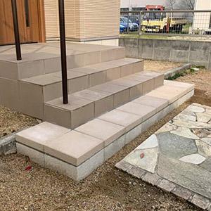 階段ステップの1段追加工事1